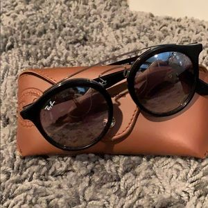 Authentic ray ban with case